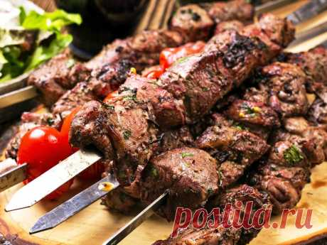 Fast shish kebab in vegetable oil with spices