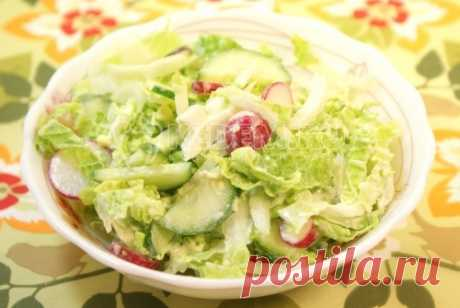 Салат с пекинской капустой Салат с пекинской капустой, это легкий и вкусный салатик, который можно приготовить за 5 минут.