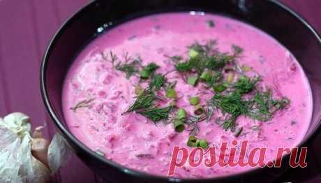 Холодные летние супы: ТОП-5 лучших рецептов  В жаркое время года на смену горячим наваристым супам приходят легкие прохладные окрошки, свекольники и гаспачо. Холодные супы - лучшее средство от летней жары. 1. Окрошка на кефире и газированной воде. Ингредиенты: 4 средних картофеля, 4 яйца, 5 огурцов, 150 г салями, 220 г редиса, 2 пучка зеленого лука, 1 пучок укропа, 1 л кефира, 900 мл газированной воды, соль, уксус по вкусу, сметана для подачи Приготовление: Сварить картофе...