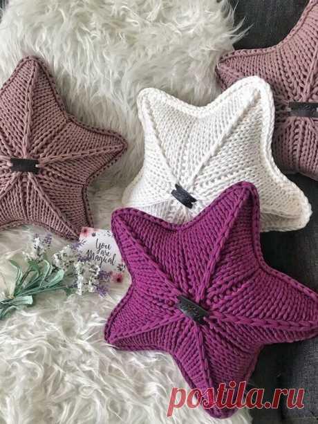 Вязаные подушки - идеи для декора интерьера.