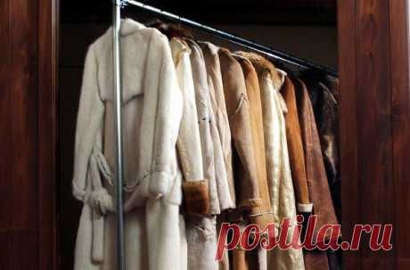 How to remove spots from a sheepskin coat, a fur coat and a down-padded coat?
