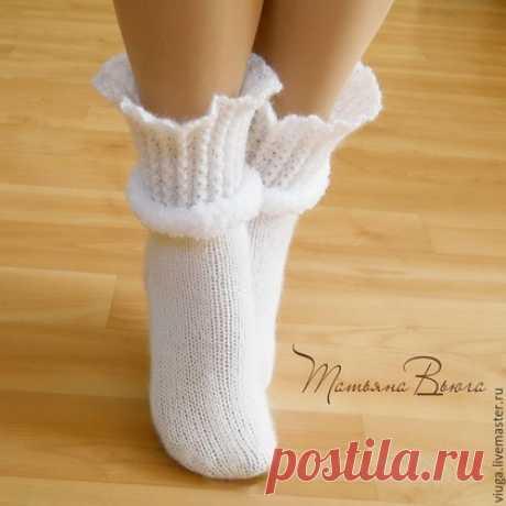 Вязаные носочки - глаз не оторвать   razpetelka.ru
