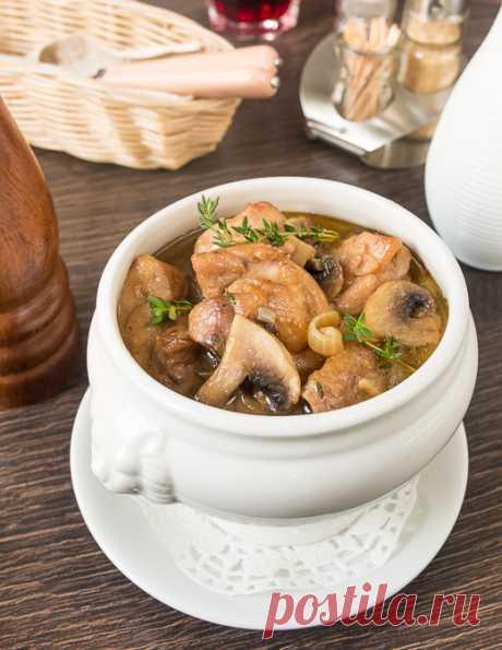 La gallina con las setas, tushennaya en la cerveza - las recetas sabrosas comprobadas, la selección de las recetas por los productos, la consulta del jefe de cocina, poshagovye la foto, las listas de las compras en VkusnyBlog.Ru