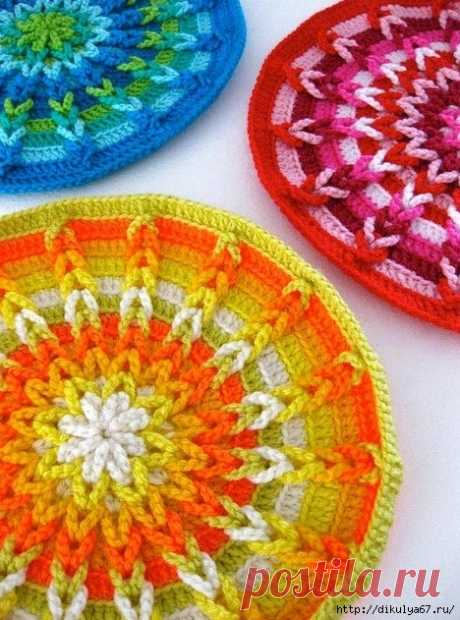 Tacks and other knitted beauty for kitchen