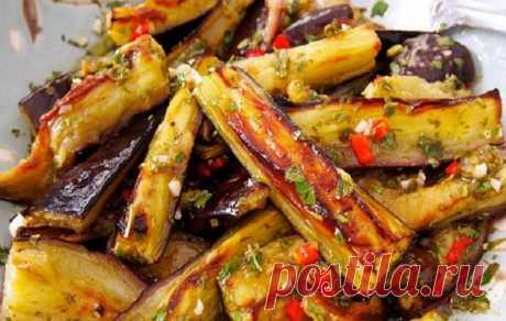 Отменные баклажаны в остром чесночном соусе От одного аромата уже «текут слюнки». Сохраняйте рецептик в свою кулинарную копилочку.