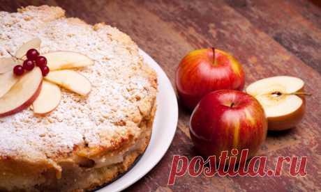 Постный пирог с яблоками заливной