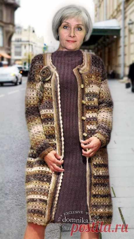 Женское вязаное пальто для дам старше 60 лет - описание и схемы вязания крючком