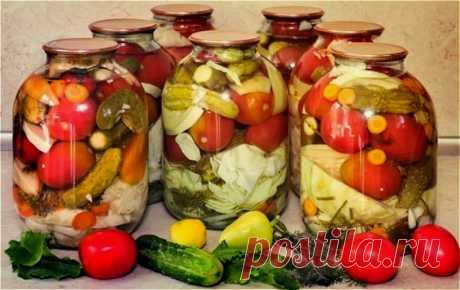 """Овощное ассорти на зиму """"пальчики оближешь"""" - самые вкусные рецепты ассорти из овощей Здравствуйте, дорогие друзья! Уже ваши овощи созрели в огороде и вы собираетесь заняться заготовками. Солите и маринуете огурцы, заготавливаете помидоры,"""