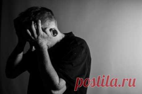 Посттравматическое стрессовое расстройство (ПТСР). После травмирующего опыта нормально чувствовать испуг, грусть, беспокойство и оторванность. Но если расстройство не проходит, и вы чувствуете себя застрявшим в постоянном чувстве опасности и болезненных воспоминаниях, вы можете страдать посттравматическим стрессовым расстройством (ПТСР). → LIFETY.RU ←