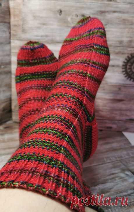 Очень простые носочки спицами