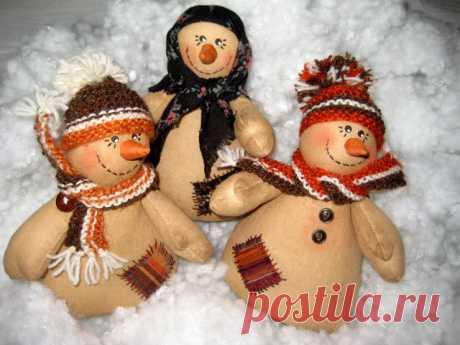 чУдные яркие снеговики из лоскутов — Делаем руками