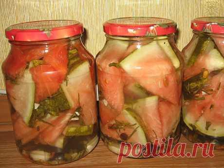 potryasayusche las sandías sabrosas marinadas para el invierno