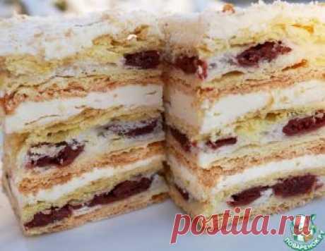 """Торт """"Наполеон"""" с вишней – кулинарный рецепт"""
