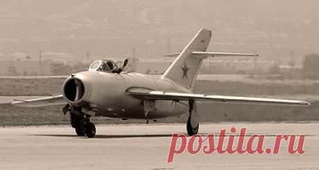 Как МиГ-15 американцев уму-разуму учил