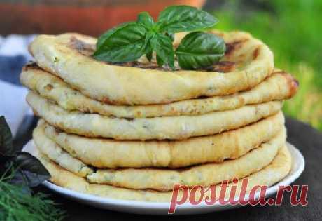 Лепешки с творогом и сыром на сковороде — рецепт — Кулинарная страничка