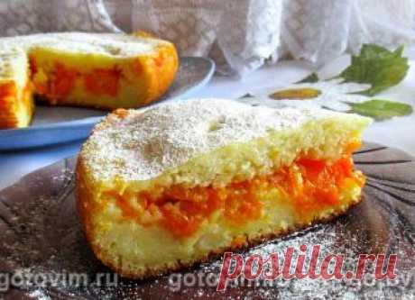 Заливной пирог на кефире с тыквой и лимоном в мультиварке. Рецепт с фото Заливные пироги уже давно стали одним из любимых видов выпечки. Они удобны тем, что тесто для них не нуждается в длительном замесе и подъёме. Рецепт приготовления любого заливного пирога следующий: замешивают тесто, как на оладьи, выкладывают половину теста в форму, на нём раскладывают начинку, покрывают оставшимся тестом и выпекают. Для начинки можно использовать абсолютно любые продукты, которые хор...