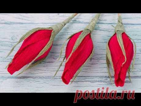 Бутоны роз из гофрированной бумаги с конфетами  Цветы из бумаги своими руками