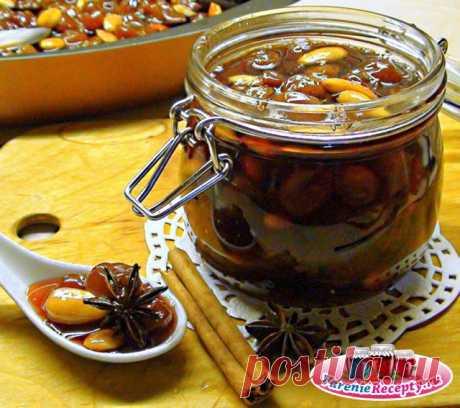 Варенье из винограда с пряностями и миндалем. Рецепт с фото.