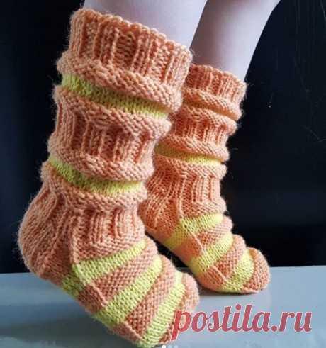 Традиционные вязаные финские носочки для детей.