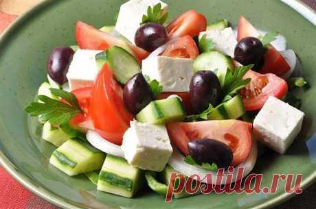 Классический греческий салат (Horiatiki) рецепт – греческая кухня: салаты.