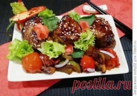 Глазированная свинина по-азиатски Люблю азиатскую кухню за простоту и быстроту приготовления. Специи и соусы придают некий колорит блюду, что отличает его от привычного домашнего. Свинина получается в меру острая, немного сладковатая,…