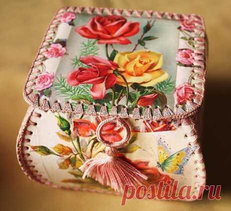 Вазочки,шкатулки из старых открыток - Эфария Делаем красивые,интересные шкатулки,вазочки из старых открыток. источник