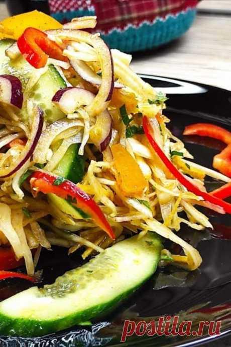 Овощной салат по-корейски, кладовая витаминов! Предлагаю Вашему вниманию вкусный салат, витаминный взрыв, его прелесть в том , что если не любите некоторые овощи их можно исключить и добавить яблоко или сельдерей, сырой кабачок, жареные грибы и всё равно получится отличный салат.