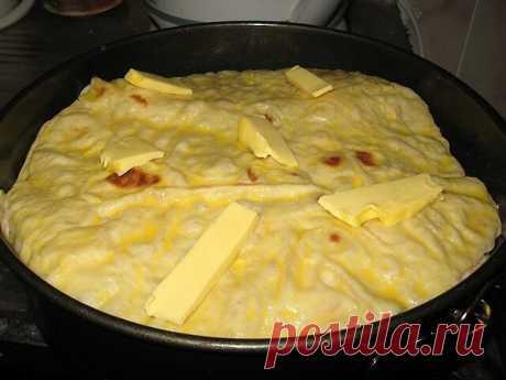 Мясной пирог из тонкого лаваша  Быстрый пирог из лаваша (и тесто ставить не надо!)  Пирог получается сочный и вкусный-вкусный  Ингредиенты: - Лаваш тонкий - Мясо (Любое..или фарш) — 400 г - Морковь — 1 шт - Лук репчатый - Зелень - Кефир — 1,5 стак. - Яйцо — 1 шт - Сыр (тведый) — 200 г  Приготовление: Можно взять готовый фарш, приготовить как вам привычно или обжарить фарш..или немного отварить затем обжарить...Я люблю сырое мясо обжарить..затем перекрутить в фарш...Так пол...