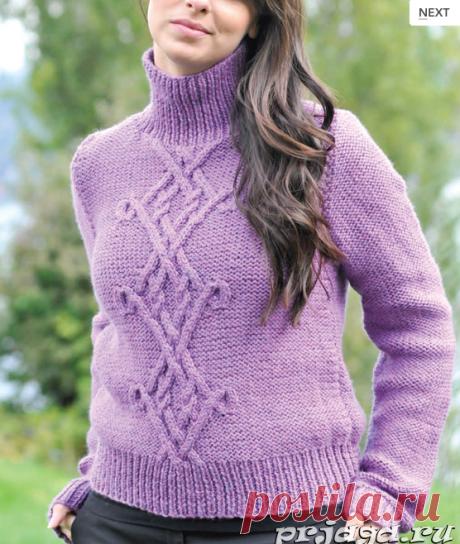 Стильный пуловер спицами с аранами.