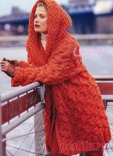 Вязаное пальто с капюшоном - Описание вязания, схемы вязания крючком и спицами | Узорчик.ру