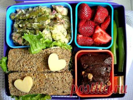 10 постных обедов, которые можно взять на работу Подборка из 10 вегетарианских постных обедов, которые можно взять с собой на работу.