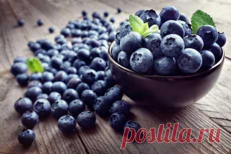 Полезные свойства продуктов синего цвета Синий цвет в принципе в природе можно найти где угодно, хотя он по сравнению с другими цветами все же более редок. По этой причине синие продукты иногда могут показаться неестественными, вызывая подозрения в искусственном окрашивании. Но в природе есть несколько так называемых синих...