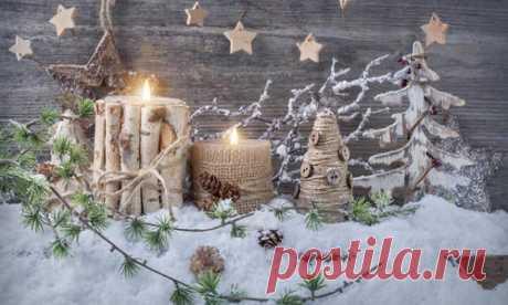 Идеи новогоднего декора и праздничных поделок поистине неисчерпаемы. Сегодняшняя подборка адресована любителям натуральных материалов и приверженцам экостиля. Эти украшения как