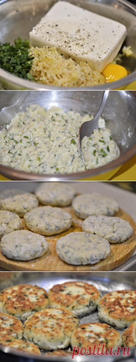 Творожники с картошкой, сыром и зеленью.
