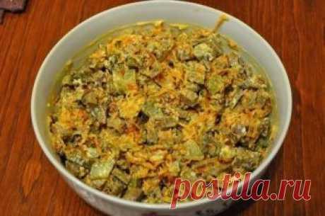 Салатик с печёночкой  Печёнка (варёная) + Жареная морковка с луком + Солёный огурчик!!! ням-ням !!!