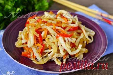 Кальмары по-корейски - рецепт с фото Подробный рецепт с фото и советами поможет вам приготовить кальмары по-корейски. Блюдо получается острым и очень аппетитным.