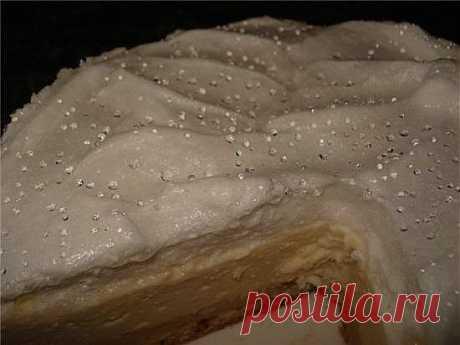 Пирог творожный с безе в мультиварке.