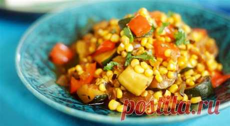 Теплый салат из индейки с кукурузой и кабачками - рецепт с фото пошагово Теплый салат из индейки с кукурузой и кабачками - пошаговый кулинарный рецепт приготовления с фото, шаг за шагом.