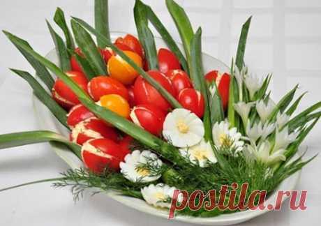 """Салат """"Тюльпаны"""" из помидоров – рецепт с фото пошагово"""