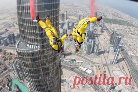 Прыжок с самого высокого здания в мире • НОВОСТИ В ФОТОГРАФИЯХ