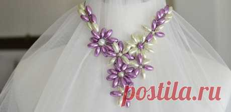 Free Tutorial on How to Make a Chunk Orchid Pearl Flower Necklace - Pandahall.com
