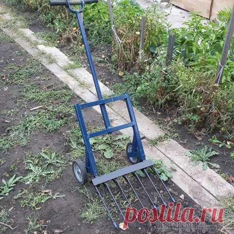"""Чудо-лопата """"Гектар"""" -  вилы на колесах , супер лопата, изобретение для огорода и хозяйства Я хочу познакомить читателей со своим изобретением, способным облегчить труд любого огородника. Это вилы на колесах, которые я назвал «Гектар» #Гектар. А свое название это изобретение получило за быст…"""