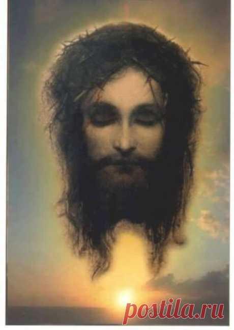 Иисус моргающий.Читайте молитвы, просите прощение и Гоподь Бог Иисус обязательно посмотрит на вас.