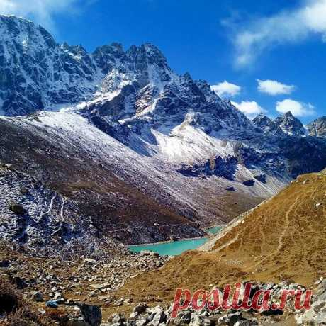 Озеро Гокиа, Гималаи 4700 м. #озеро,#гокиа,#гималаи,#непал,#горы,#путешествия