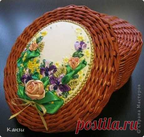 Baskets from newspapers with an embroidery tapes. Master class
