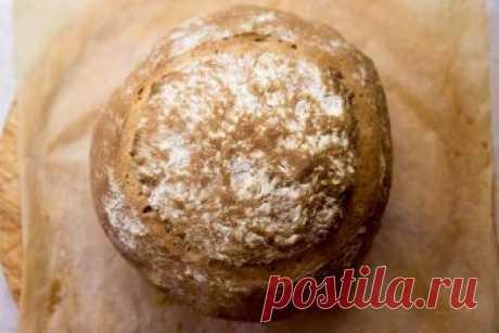 Деревенский хлеб на кефире Попробовала я приготовить хлеб на закваске, да еще и на кефире. Результат меня очень порадовал. Этот хлеб получился пушистым, пахучим, и долго сохраняющим свежесть. Всего выйдет:                            2 каравая Время…
