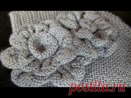 Вязаные цветы спицами: 3 видео. Вязаные цветочки к шапочке спицами. Вязаные цветы спицами