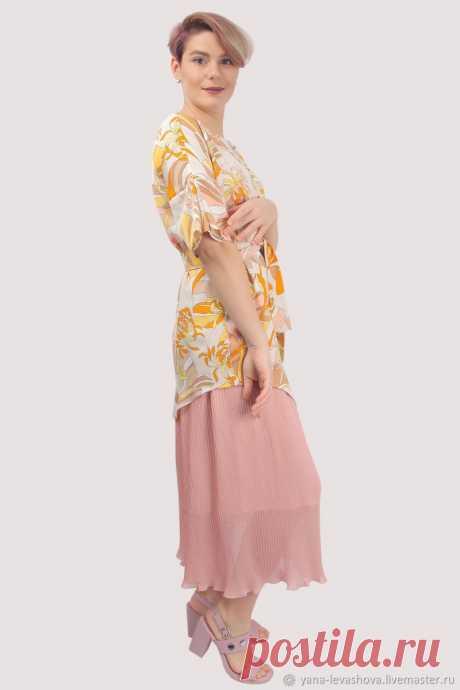 Платье розовое пудровое желтое белое с цветами плиссе – купить на Ярмарке Мастеров – LW1DYRU | Платья, Москва