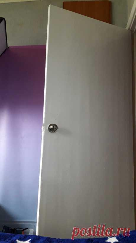 Как обновить старую советскую дверь акрилом за 300 рублей? Бюджетный ремонт | Loliminti l Арт-фотограф | Яндекс Дзен
