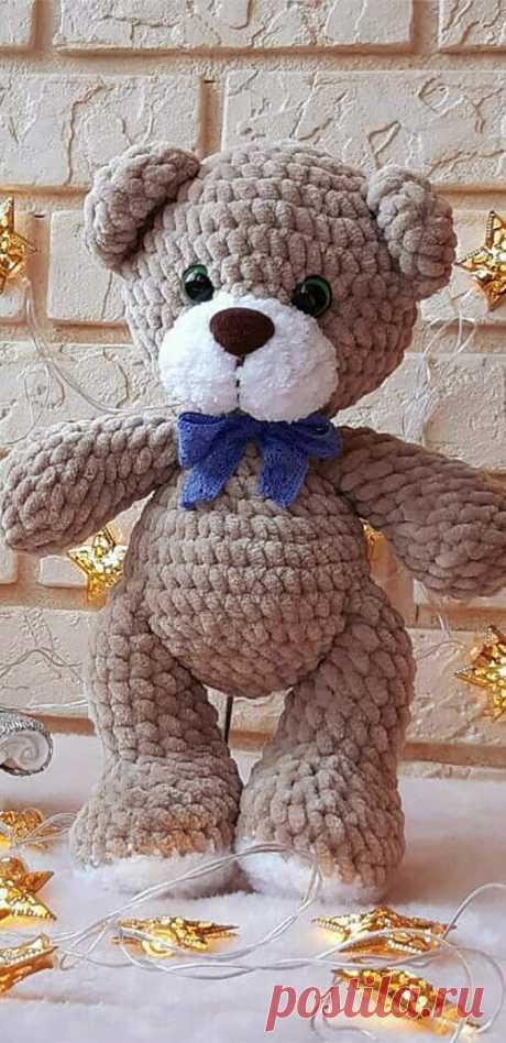 PDF Мишка Бантик крючком. FREE crochet pattern; Аmigurumi doll patterns. Амигуруми схемы и описания на русском. Вязаные игрушки и поделки своими руками #amimore - медведь, маленький медвежонок из плюшевой пряжи, плюшевый мишка.